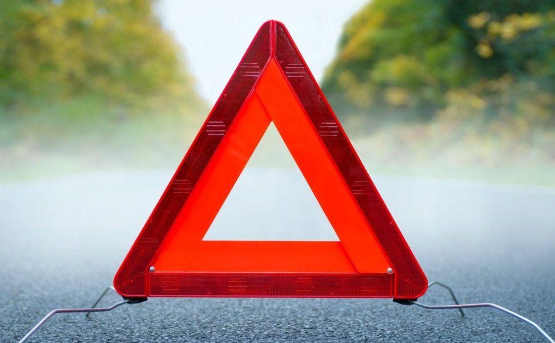 На Дніпропетровщині авто злетіло з мосту в річку: є загибла (відео)