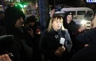 Шарпанина та тілесні ушкодження: Сиротинська заявила в поліцію на «базарників» (фото)