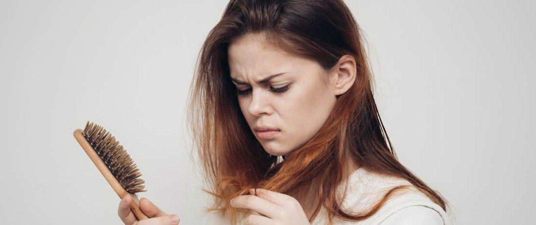 Випадіння волосся у жінок: причини та профілактика