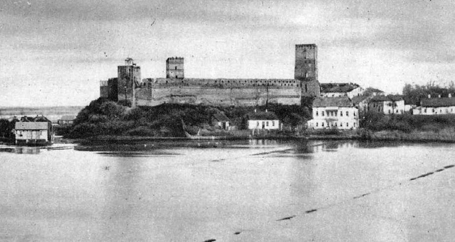 Замок Любарта в оточенні річки Глушець