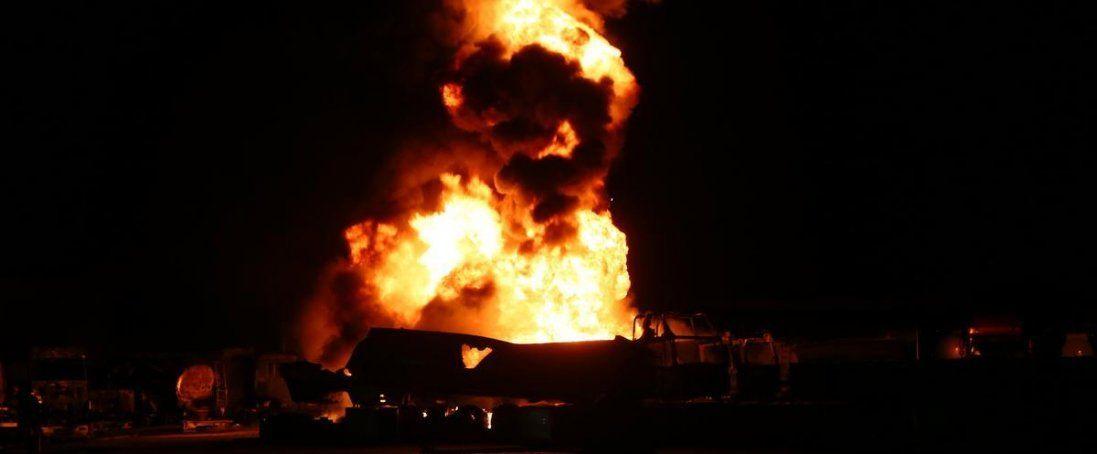 На Волині вночі згорів мікроавтобус (фото)