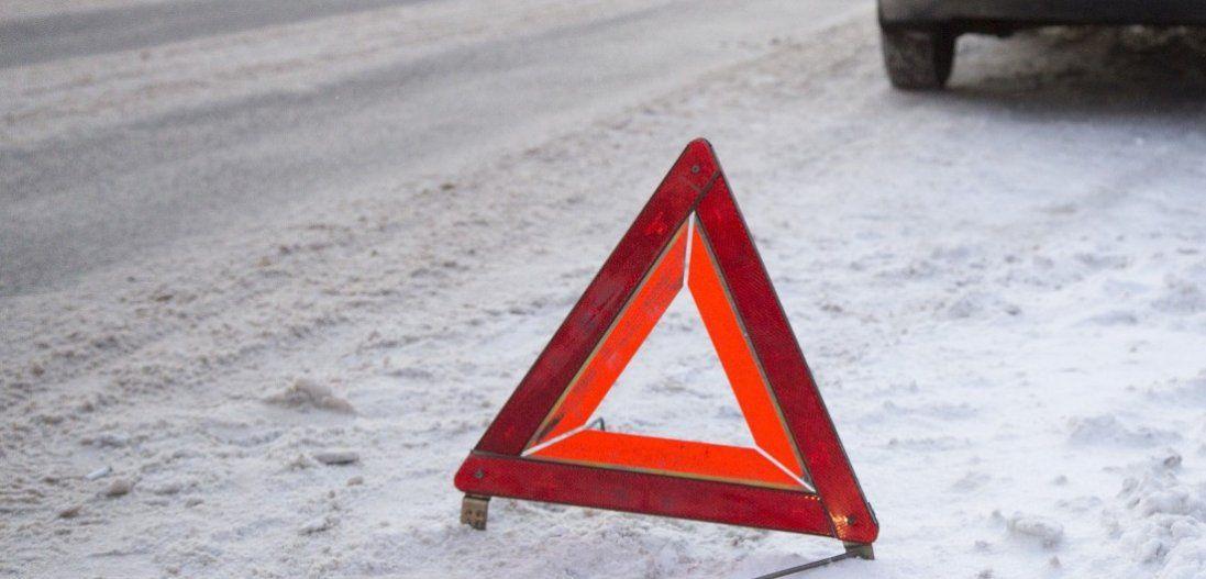 У Луцьку 16-річну дівчину авто збило на тротуарі (фото)