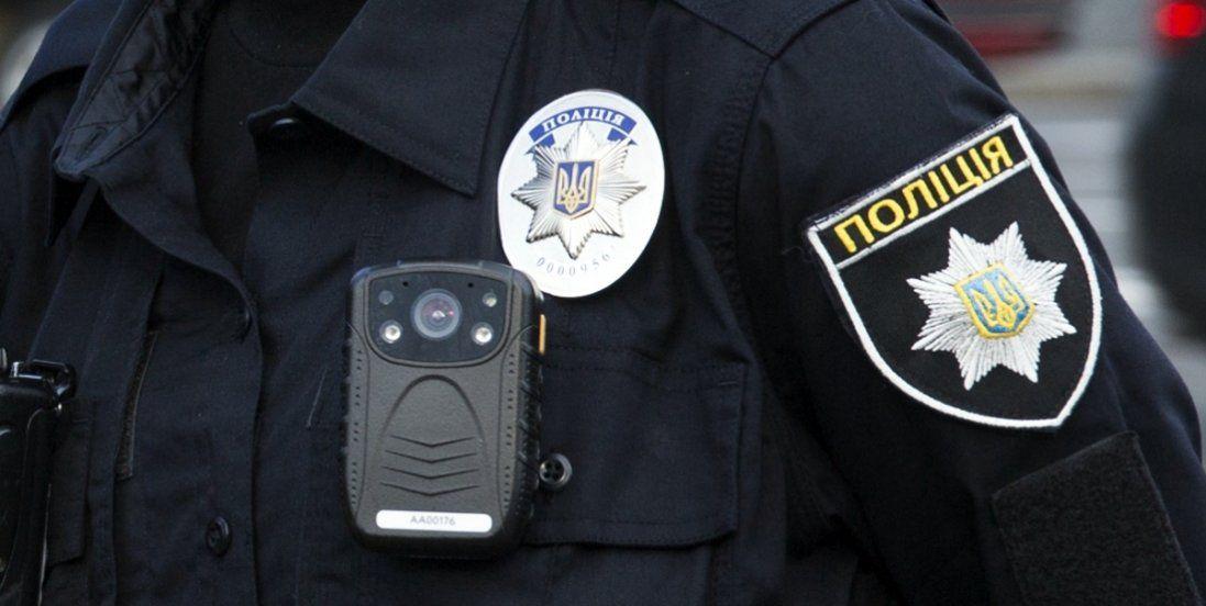 У Києві підлітки побили безхатька (відео)