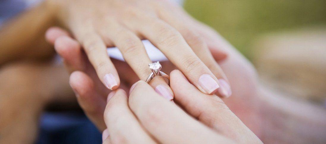 Пропозиція одруження по-американськи: обручка впала з висоти 27 тисяч метрів (відео)