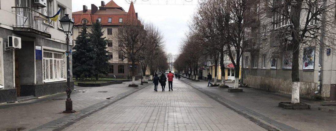 Лучани просять заборонити велосипедистам їздити центральною вулицею