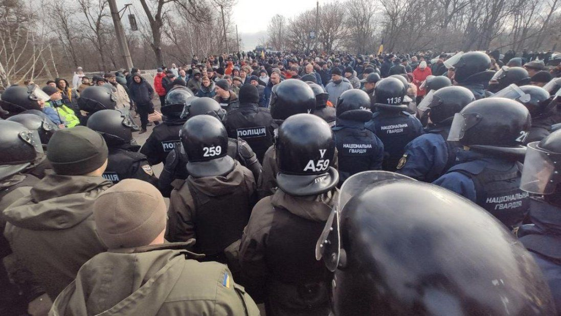 Хто й навіщо розкручує «антикоронавірусні бунти» в Україні (сценарій)