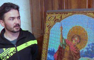 Волинянин, який створив ікону з сірників, потрапив до Книги рекордів України (фото)