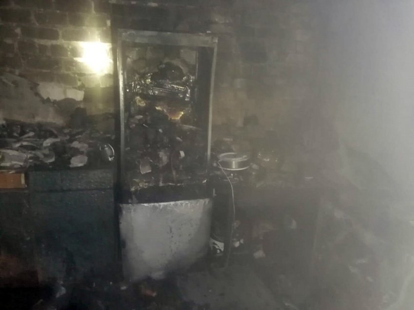 Пожежні врятували десять чоловік, троє з них діти