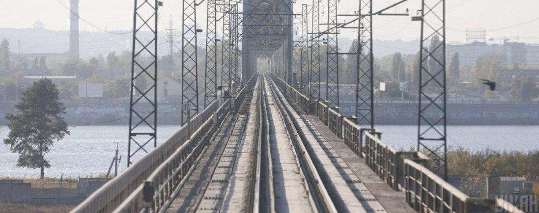 На Львівщині потяг збив пенсіонерку
