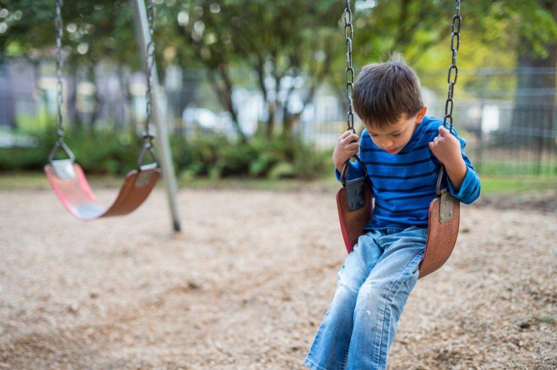 Шукали 100 поліцейських: трирічного хлопчика знайшли за 8 кілометрів від дому