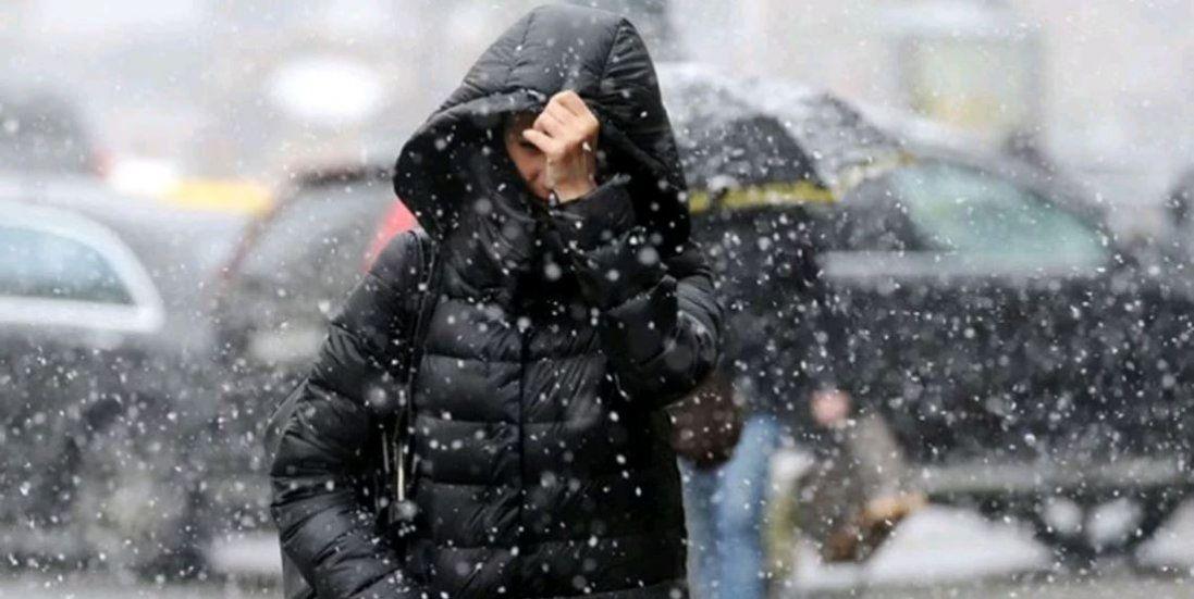 Сильний вітер і сніг – погода в Україні на сьогодні
