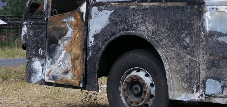 Поблизу Києва загорівся автобус з пасажирами (фото)