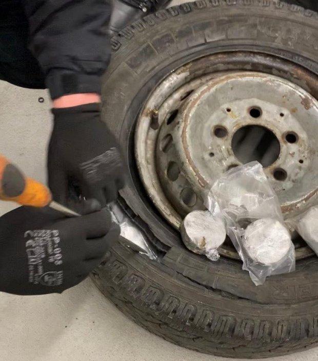 Митники вилучили 20 кілограмів наркотиків / Фото: ДПСУ