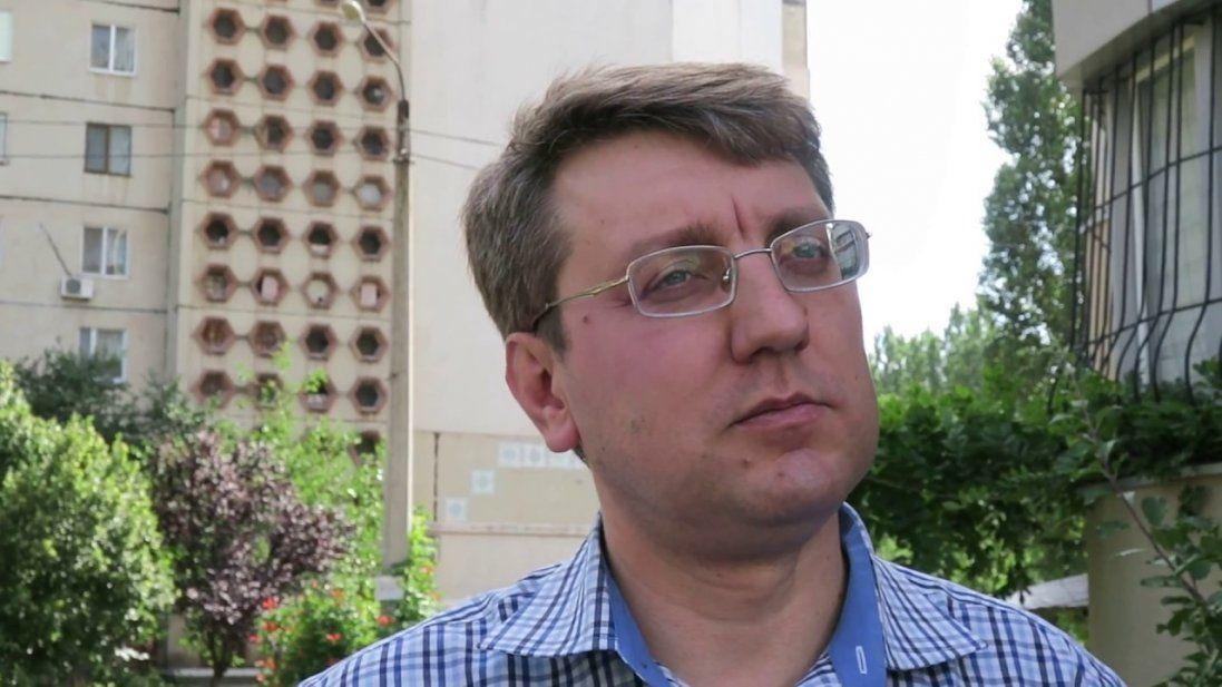 У Миколаєві депутата закидали яйцями (фото)