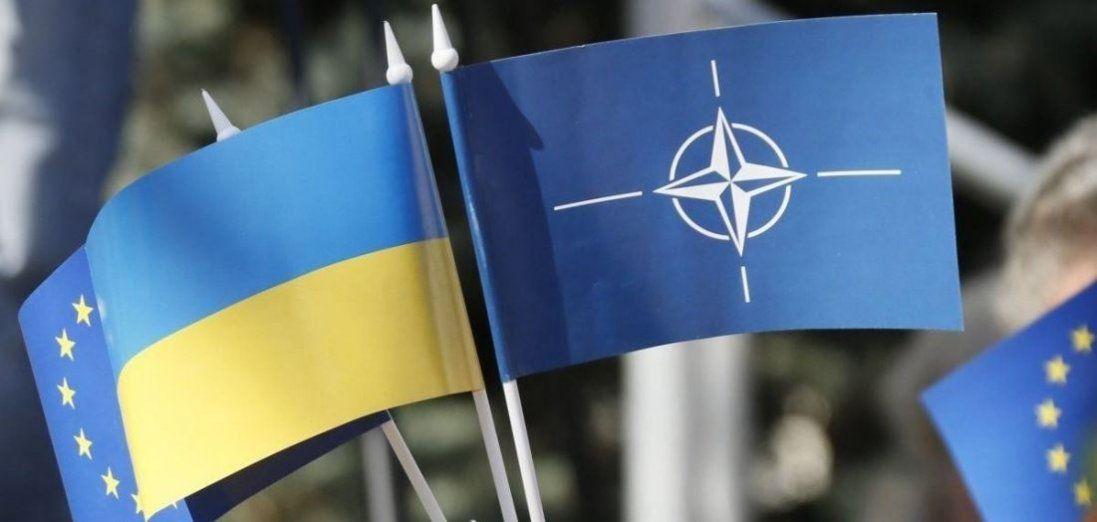 Вступ України в НАТО можливий з окупованими територіями, – Кулеба
