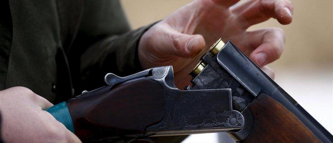 На Львівщині батько застрелив сина через сварку