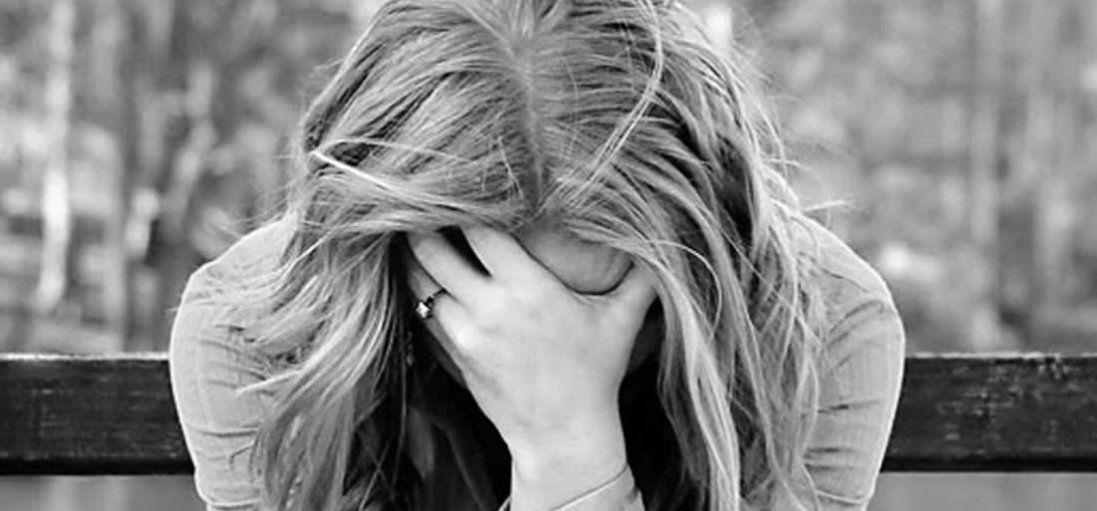 Весняна депресія: причини та як її побороти