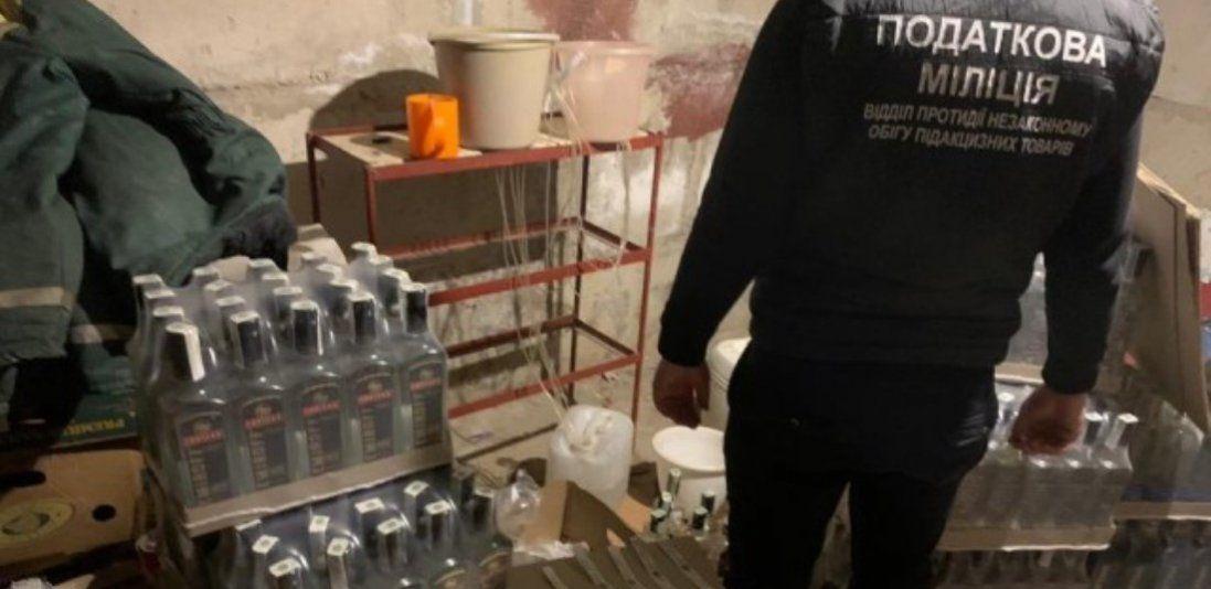 У Луцьку викрили цех з виробництва сурогатного алкоголю