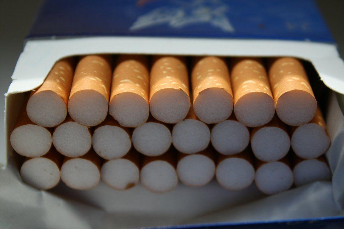На Волині через митницю хотіли провезти контрабандні цигарки на 137 тисяч