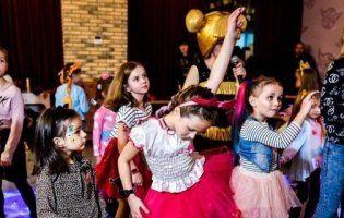 У «Промені» проведуть святкову «Вечірку весняних мрій» для малечі (фото)