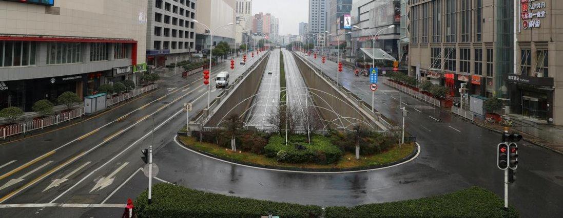Китайський Ухань, неначе місто-привид через коронавірус (фото, відео)