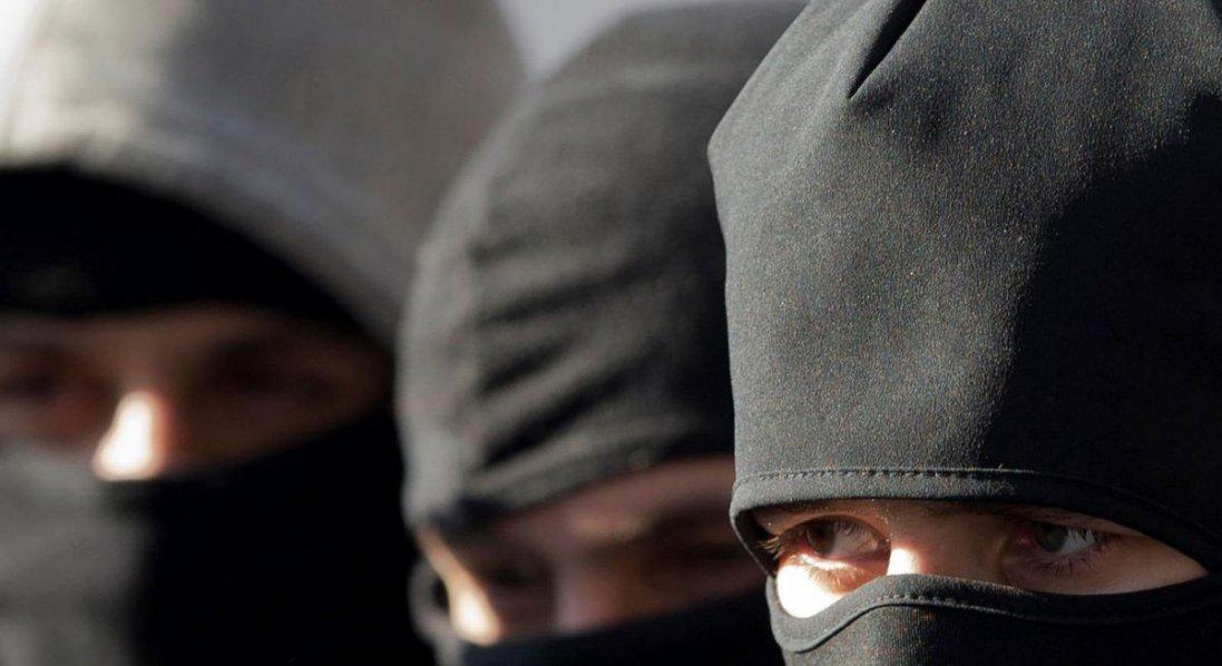 У балаклавах і з пістолетом: у Ківерцях бандити увірвалися в магазин