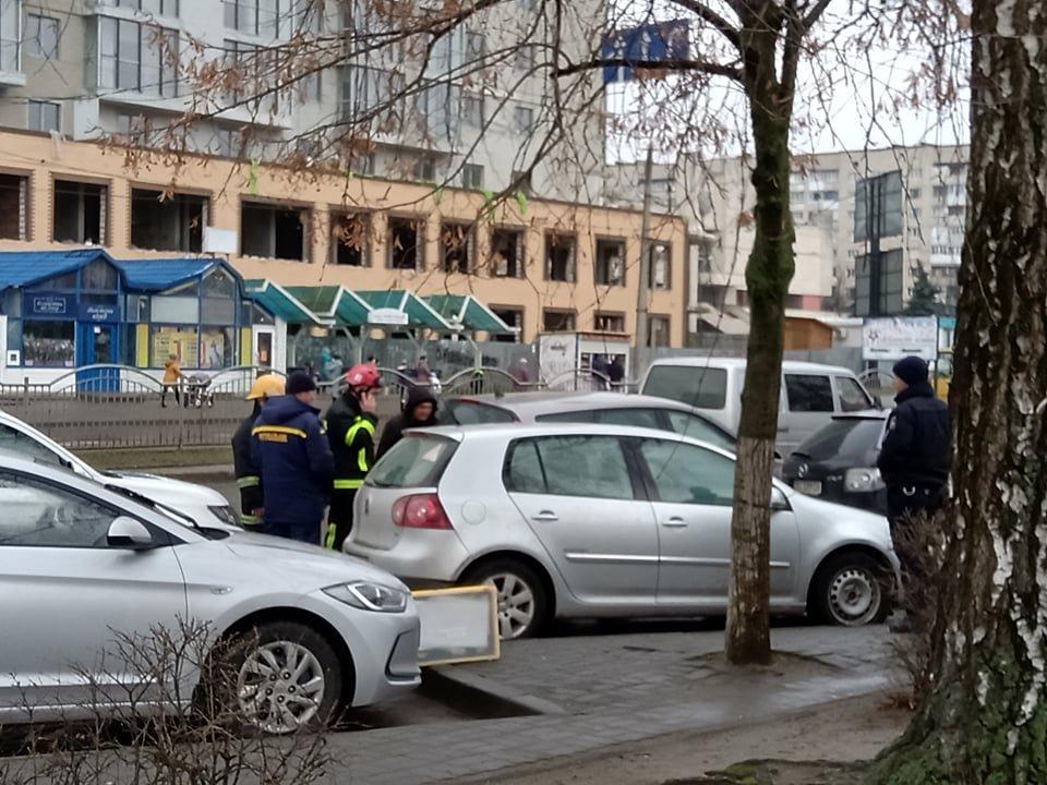 У Луцьку в  авто — зачинена дитина (фото)