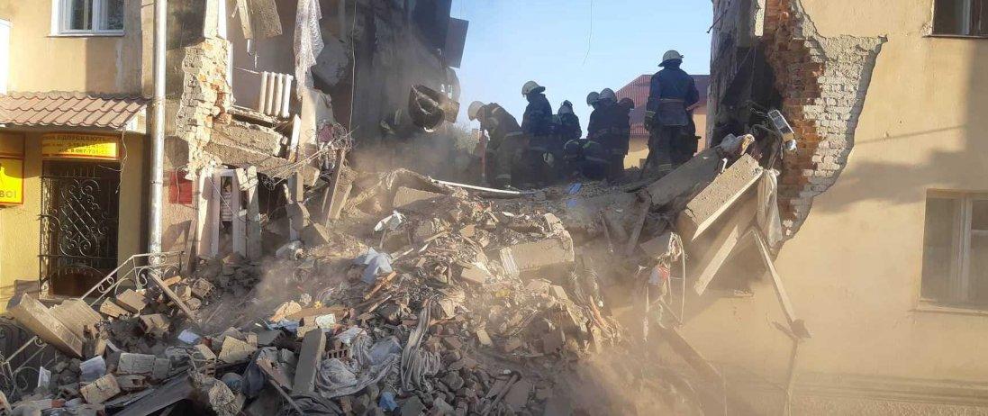 У Пакистані обвалилася багатоповерхівка:  є загиблі (відео)