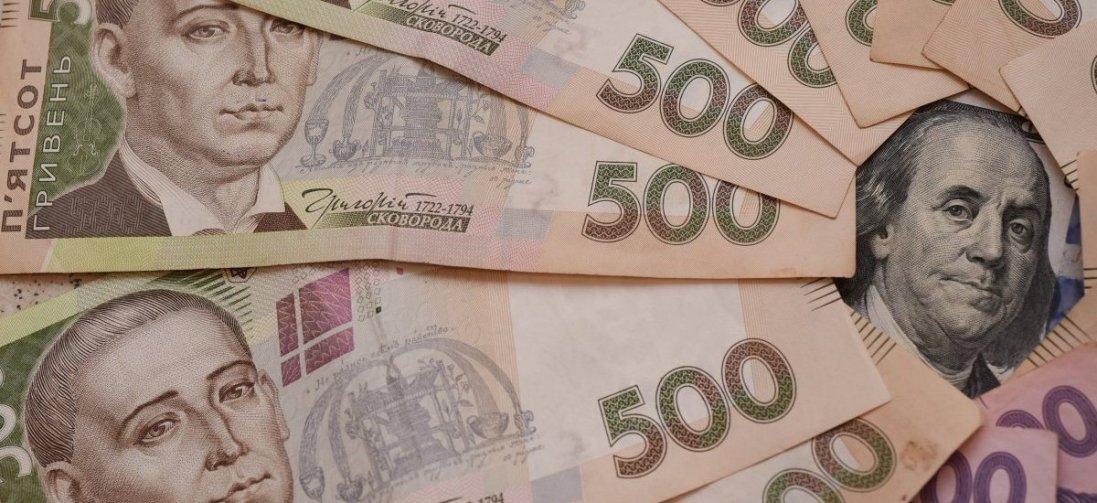 Коронавірус може поширюватись через готівку