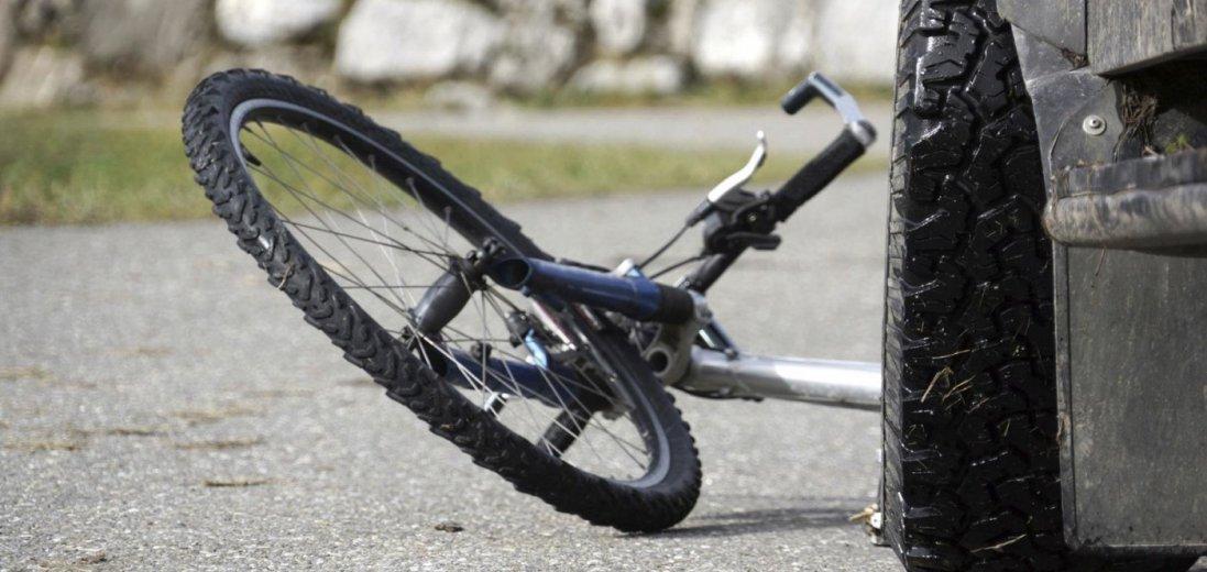 На Волині авто збило 74-річного велосипедиста