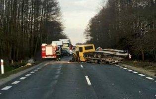 Лучанин потрапив у аварію в Польщі, його «вирізали» з авто (фото)