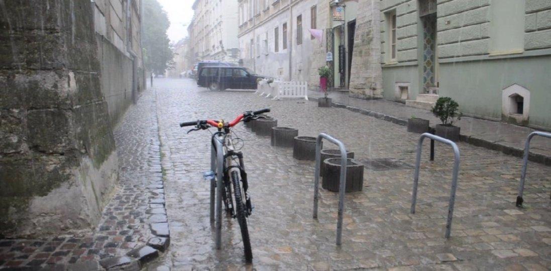 Сьогодні в Україні місцями дощитиме