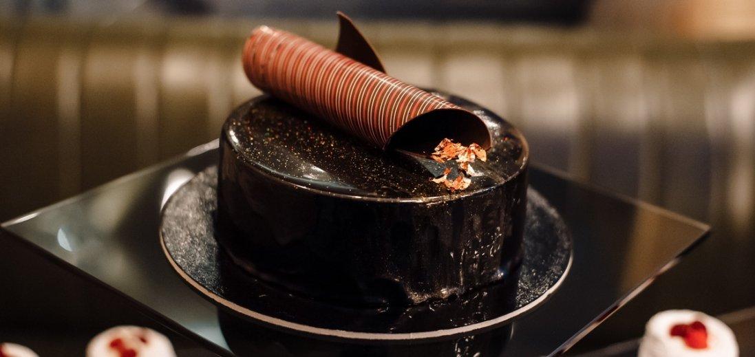 На луцькому фудкорті десерти і торти щодня зі знижкою 50%