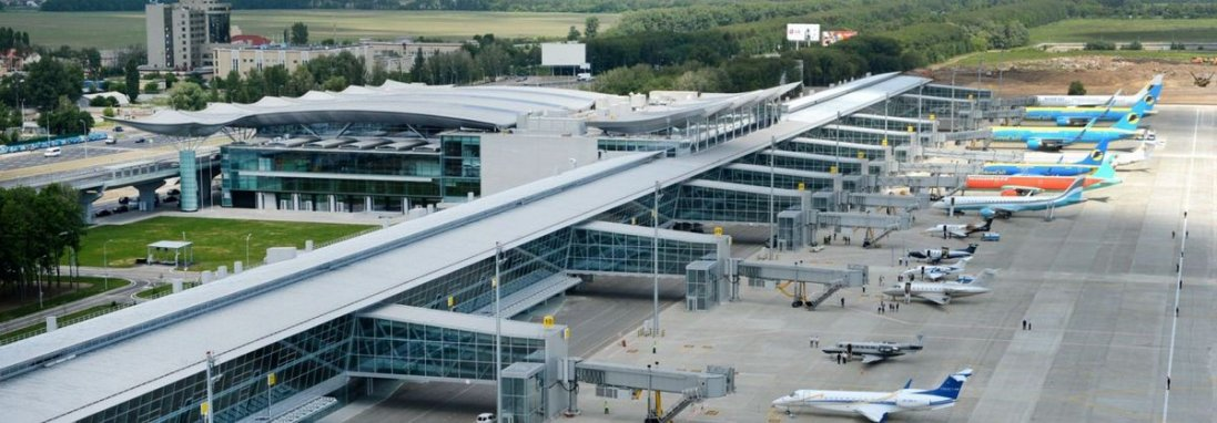Підозра на коронавірус: на Київщині приземлився літак з імовірно зараженим пасажиром