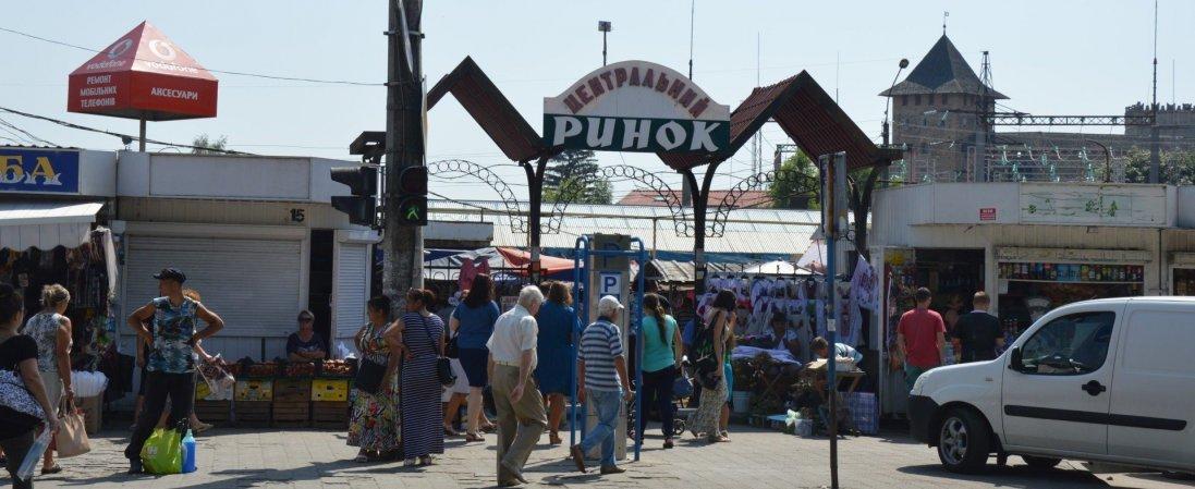 Що зараз відбувається на Старому ринку в Луцьку (фото, відео)