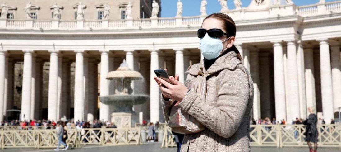 Коронавірус в Італії: 827 людей померло, закриваються усі магазини