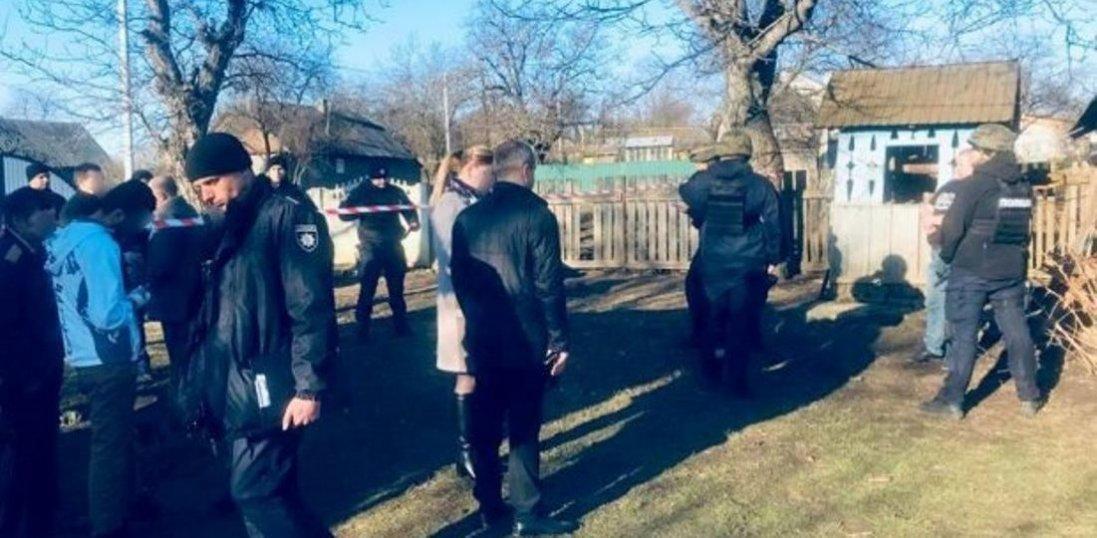 На Буковині чоловік убив дружину і півторарічну доньку (фото, відео)