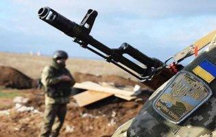 Обстріли на Донбасі: поранили двох військових