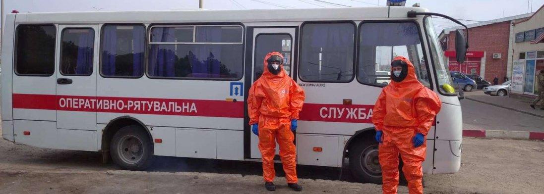 Скількох українців волинські рятувальники перевезли через кордон