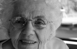 В Ірані від коронавірусу вилікувалася 103-річна жінка