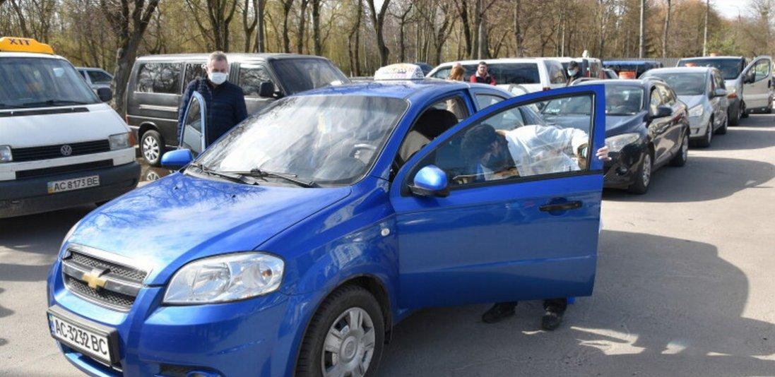 Луцьк і коронавірус: на час карантину таксисти запровадили єдиний тариф