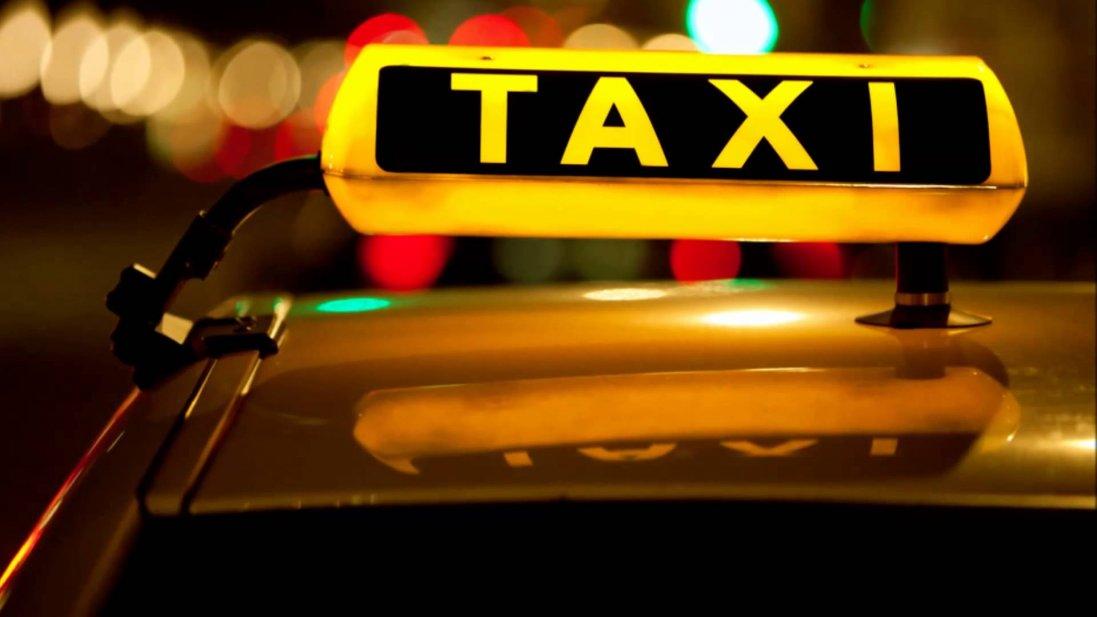 Перевозив інфіковане подружжя: у Дніпрі ізолювали таксиста