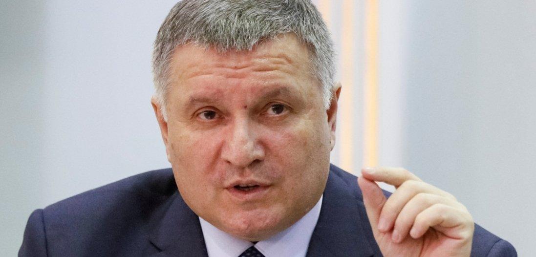 Україні потрібен тотальний повний карантин та посилення обмежень – Аваков