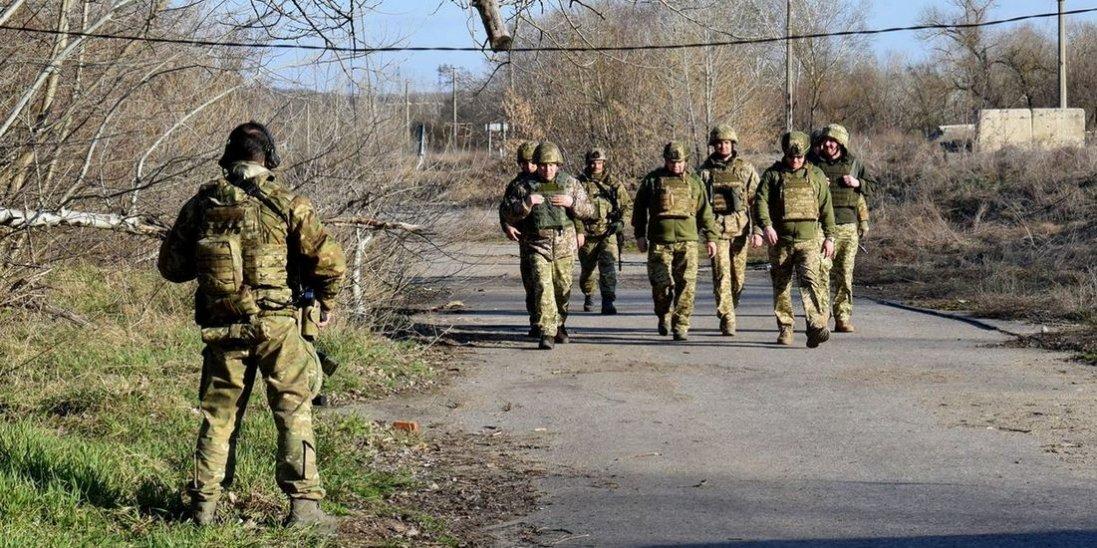 На час карантину вулиці українських міст патрулюватимуть військові