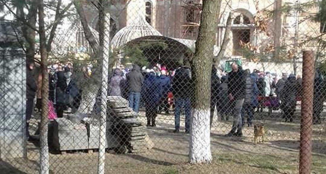 У Луцьку прихожани УПЦ МП свідомо порушують карантин