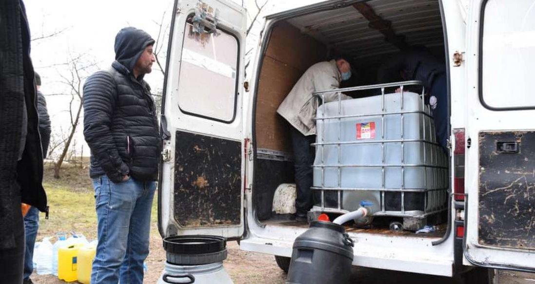 У Луцьку головам ОСББ безкоштовно видають розчини для дезінфекції
