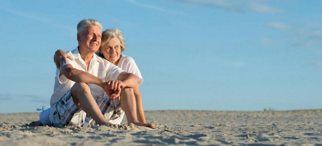 У ВООЗ пояснили, чому жінки живуть довше за чоловіків