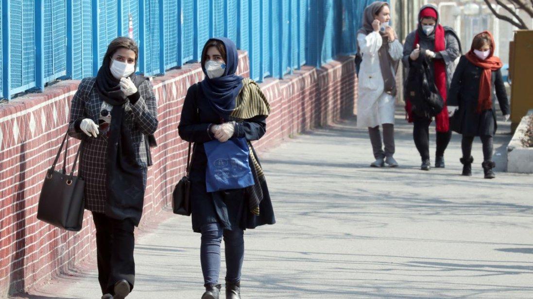 «Лікували» коронавірус: в Ірані від алкоголю померли 200 людей