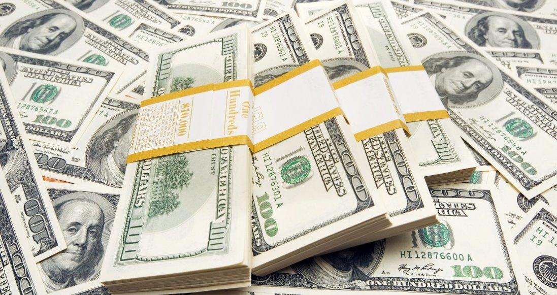 Долар і євро знову підскочили в ціні