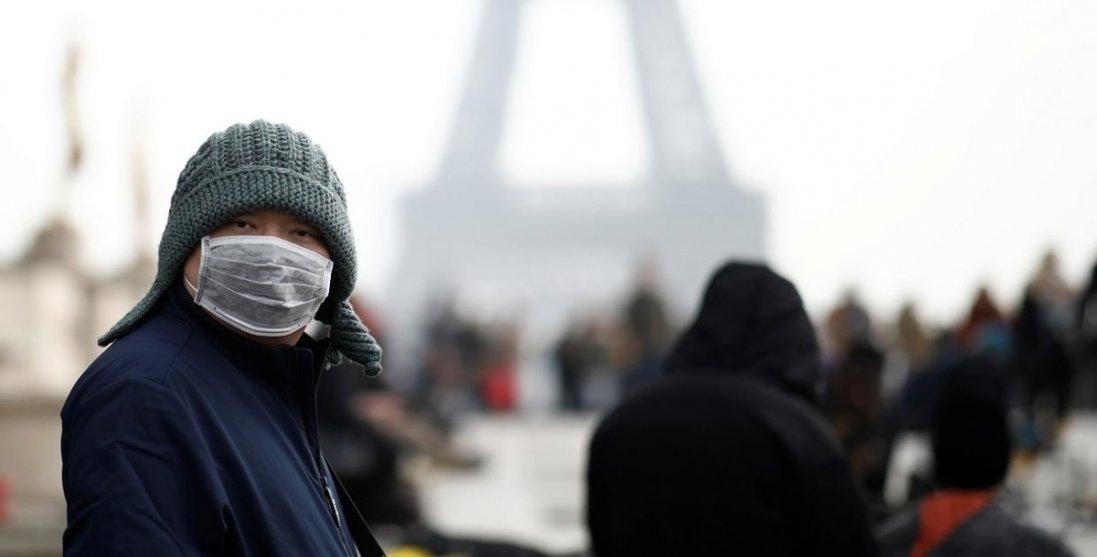 У Франції через коронавірус вводять надзвичайний стан